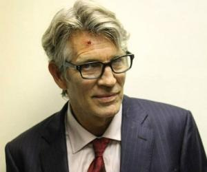 Eric Roberts Says He Loves Seeing Sister Julia Roberts With His Daughter Emma Roberts It S Really Cool News Break